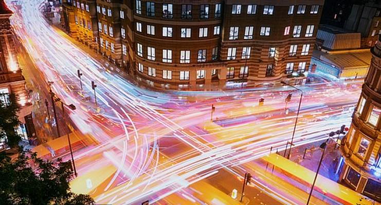 لامپ های نئون خیابانی خطر ابتلا به سرطان تیروئید را افزایش می دهد